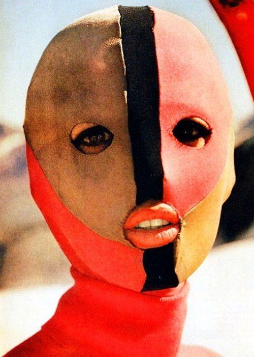 thedoppelganger:  Emilio Pucci ski mask, 1963