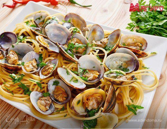 Щедрый улов: десять блюд из морепродуктов на любой вкус  Дары моря, помимо того, что необычайно вкусны, являются неиссякаемым источником здоровья и жизненной силы. А еще это беспроигрышный ингредиент для самых разных блюд. Вкусное семейное меню сегодня составляем вместе с торговой маркой «Магуро». #готовимдома #едимдома #кулинария #морепродукты #рецепты #советы #приготовление #креветки #мидии #кальмары #блюда #вкусно #полезно #деликатесы Будьте первым, кто оставит