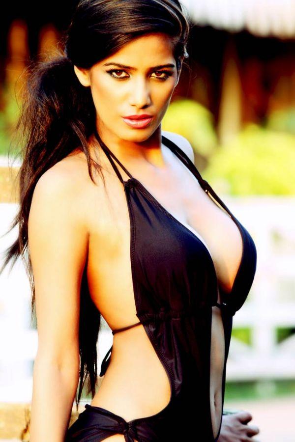 poonam pandey hot -Black Beauty