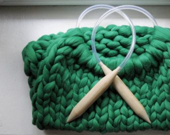 DIY Arm knitting merino wool. 3 inch stitch. by Ohhio on Etsy