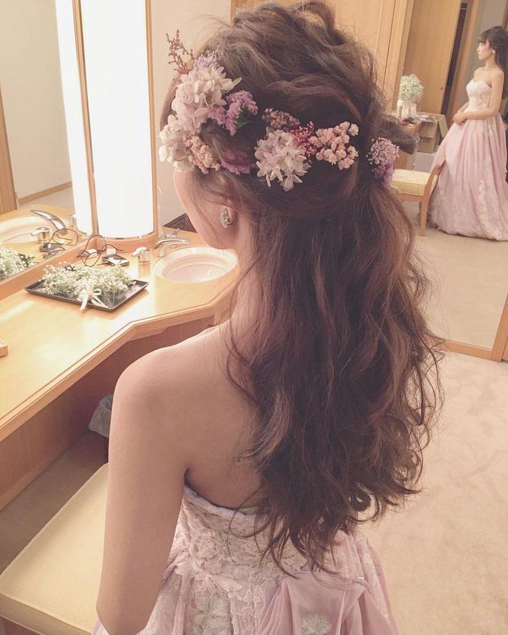 いいね!4,379件、コメント5件 ― yuudaiさん(@maison.de.rire)のInstagramアカウント: 「お見送り前クイックチェンジはハーフダウンスタイル☺️✨ ・ #ブーケ #プレ花嫁 #卒花 #ウェディングドレス #ブライダルヘア #ブライダルヘアメイク #WD #CD」