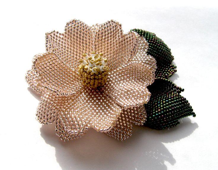 Коллекция цветочных брошек (много фото) | biser.info - всё о бисере и бисерном творчестве