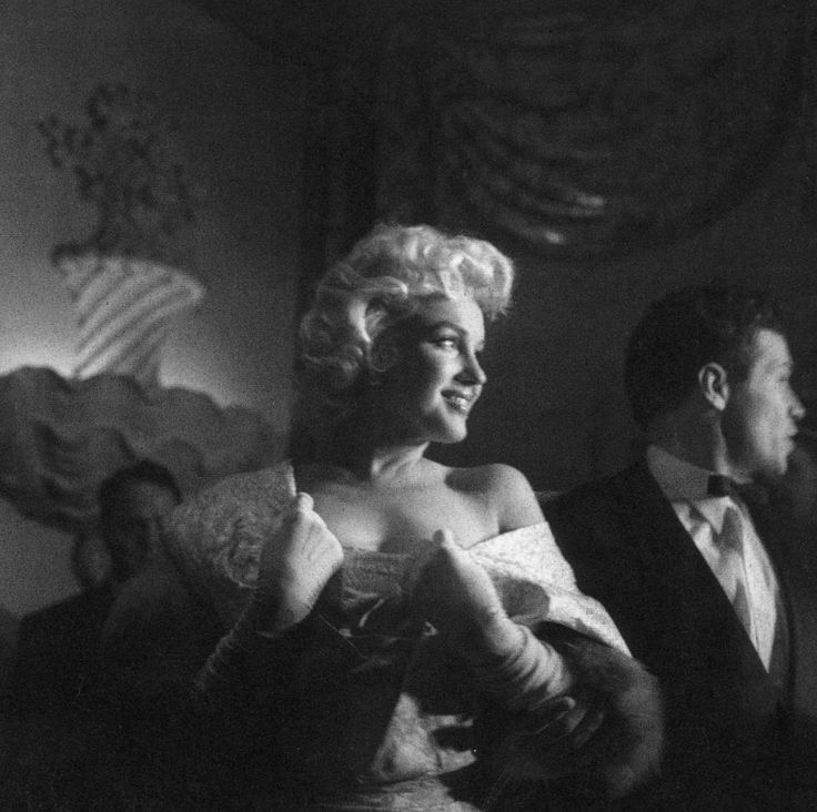 March 9th 1955: Marilyn attending the premiere of East of Eden photographed by Eve Arnold.