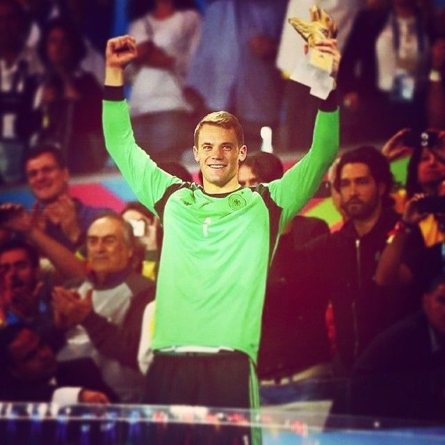 Manuel #Neuer, eletto miglior portiere del #Mondiale che si è concluso ieri. Davvero eccezionale il portiere del #Bayern #Monaco!  Manuel Neuer was elected best goalkeeper of the #WorldCup after yesterday's final. A great performance in the competition by Bayern's player!