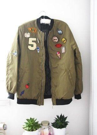 Kup mój przedmiot na #vintedpl http://www.vinted.pl/damska-odziez/kurtki/15322426-bomber-jacket-naszywki-naprawde-piekna