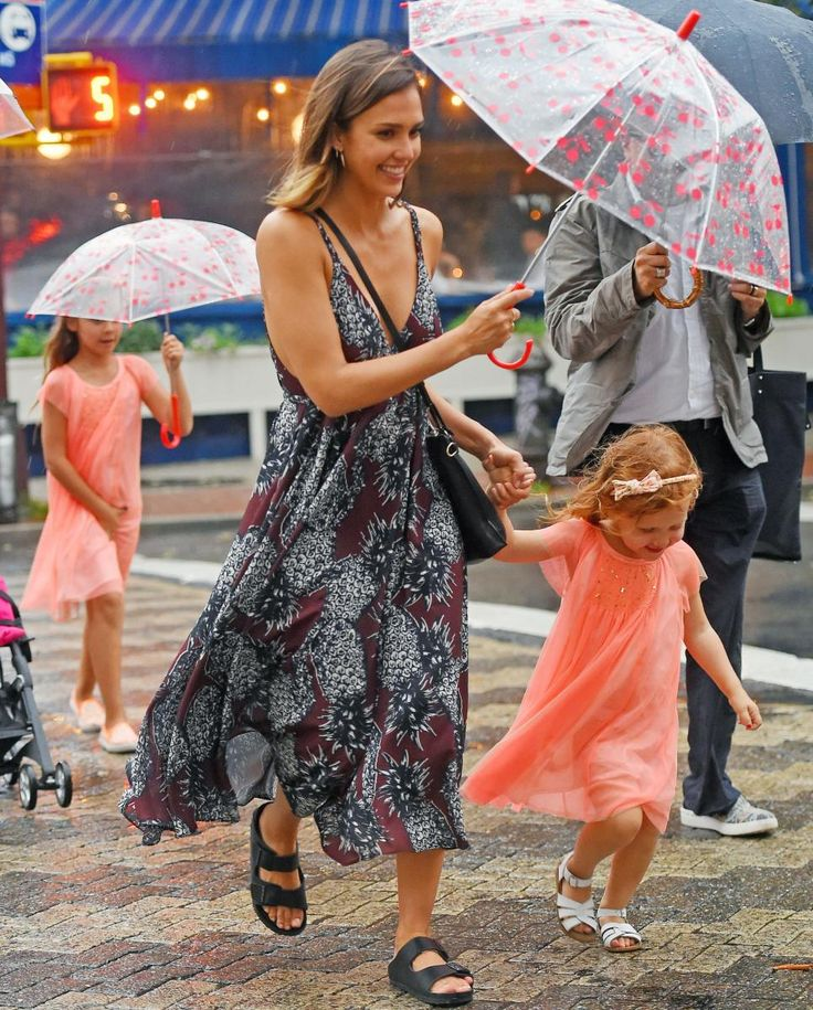 A little rain doesn't stop Jessica from rocking her Endless Summer dress and Birkenstock sandals.