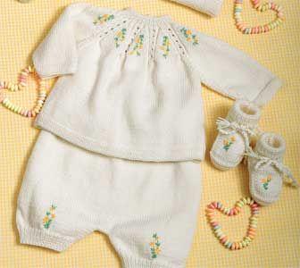 Golfino e pantaloncini neonato ricamati