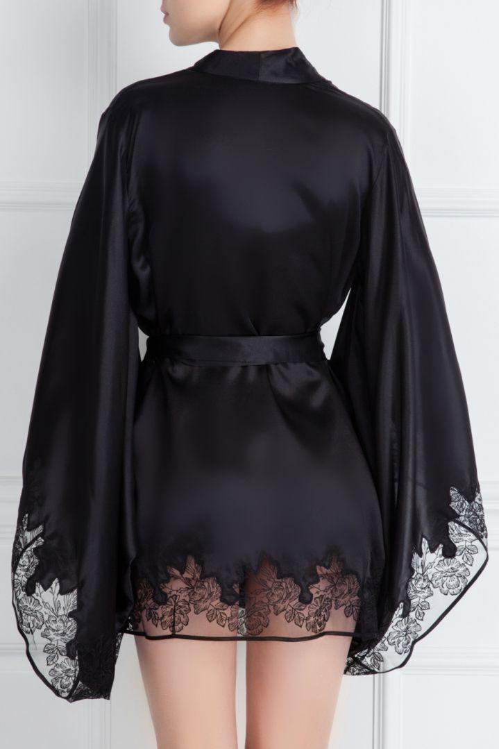 Халат-кимоно черный шелковый с кружевной отделкой Бренд: Agent Provocateur Цена: 74 100,00 руб. Где купить: Agent Provocateur