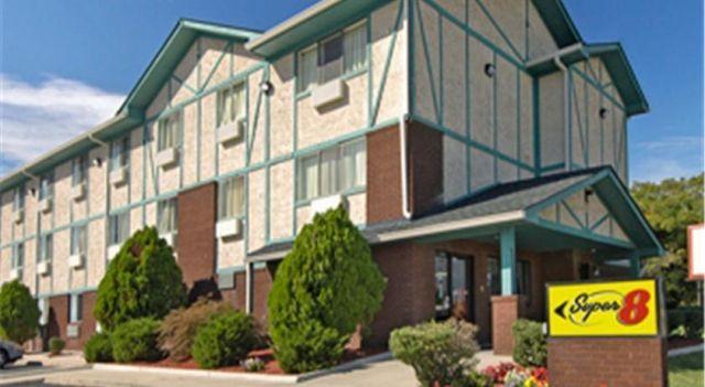 Super Value Inn - 3 Star #Hotel - $60 - #Hotels #UnitedStatesofAmerica #Portsmouth http://www.justigo.net/hotels/united-states-of-america/portsmouth/super-8-portsmouth-oldetown_110418.html