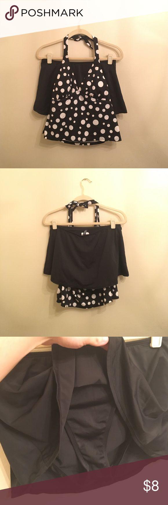 🦋$8🦋 💥NEW💥 Polka Dot Tankini Swim Suit Price firm unless bundled.  Reasonable bundle offers welcome. Swim Bikinis