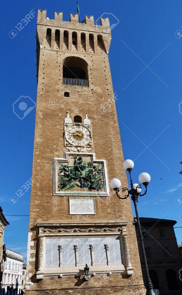 http://www.123rf.com/photo_55553484_civic-tower-recanati-marche-italy.html