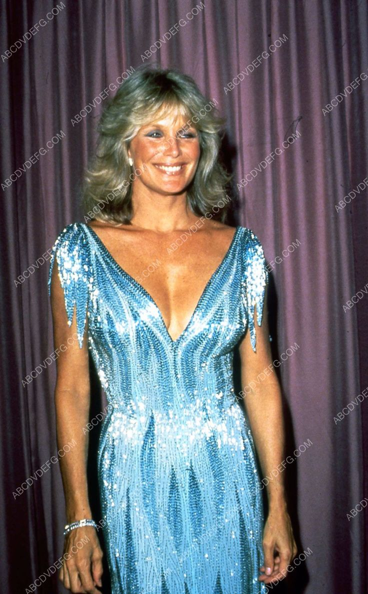 candid Linda Evans at some fancy event 35m-3918