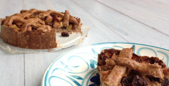 Dit is een heerlijk recept voor een gezonde appeltaart. De taart is vrij van gluten, zuivel en geraffineerde suikers en te maken met spelt- of amandelmeel.