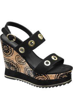 Siyah Dolgu Topuk Sandalet https://modasto.com/catwalk/kadin-ayakkabi-sandalet/br10149ct19