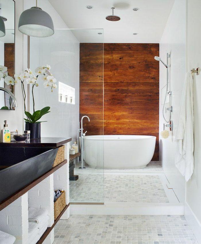 Holz Wandpaneele Badezimmer Badewanne Bodenfliesen Orchideen