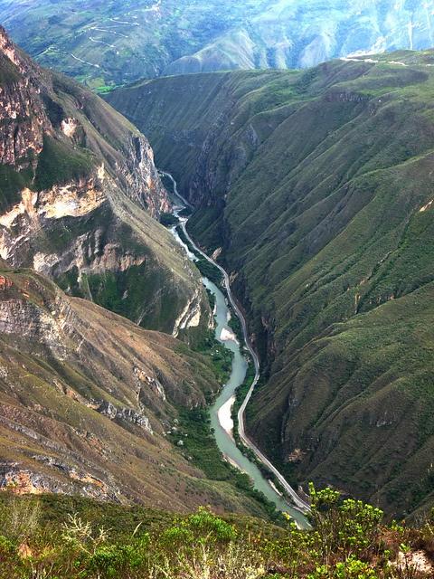 Este es Perú   Las personas que viven aqui son Peruano Tyler