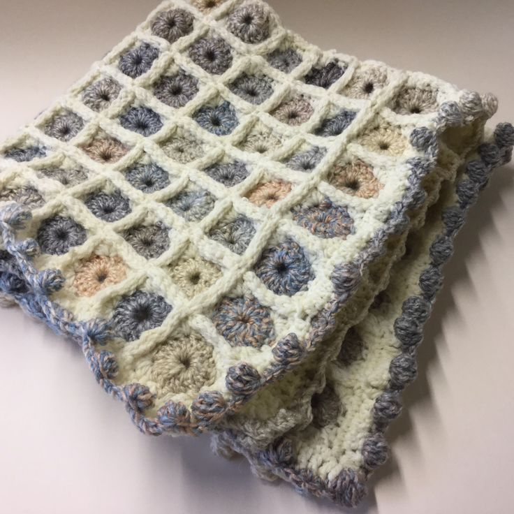 Square circles Cot blanket SOLD