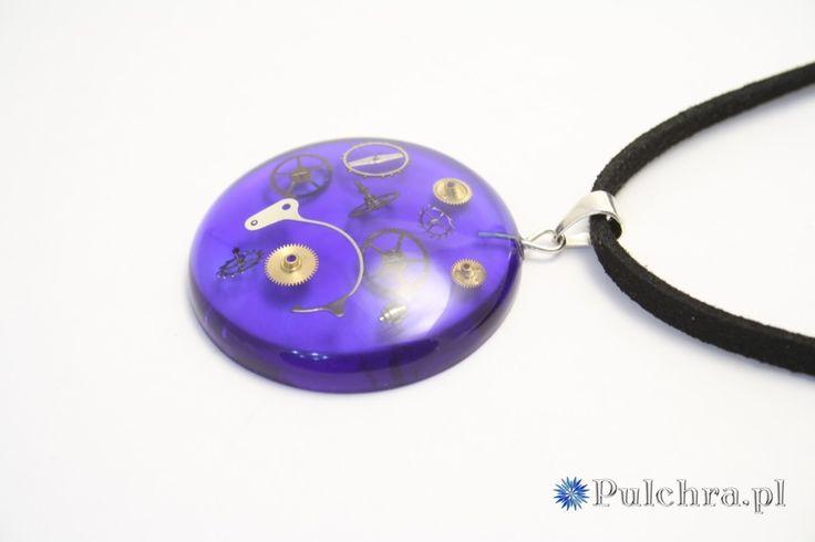 Naszyjnik w stylu steampunk z okrągłą zawieszką z żywicy z trybikami zegarowymi Image 1