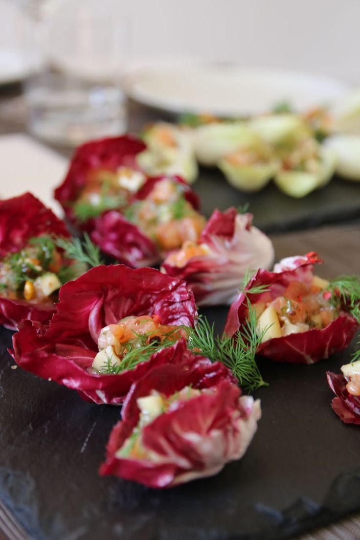 No2 Christmas appetizers! Raddichio & Salmon– クリスマス人気!ラディッキオのフィンガーフード – Mayu's Kitchen – Chef à domicile à Paris パリお料理教室