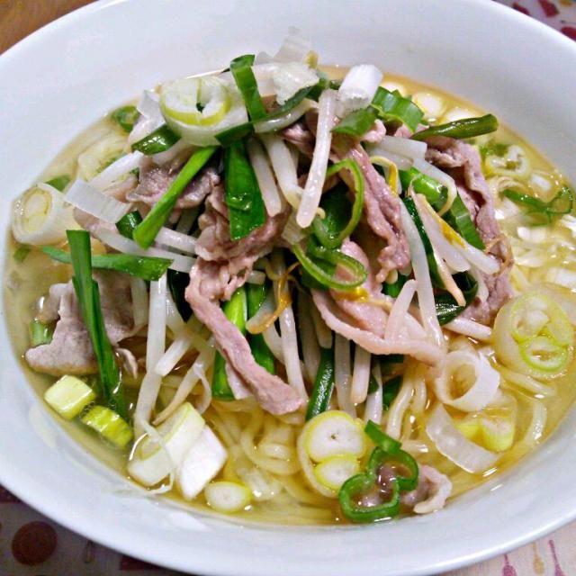 鶏がらスープの素たっぷり! - 9件のもぐもぐ - 10月1日 塩ラーメン by sakuraimoko