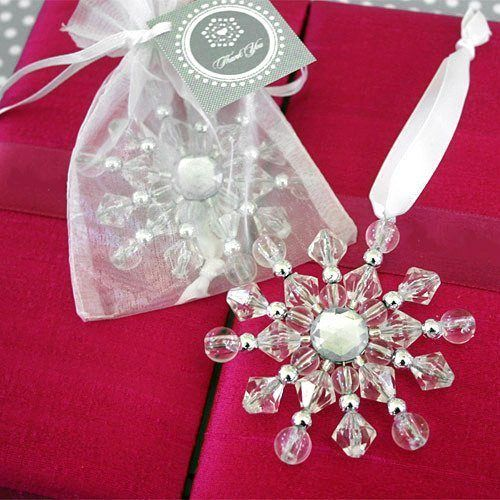 beaded-snowflake-ornaments-with-personalized-tags-500