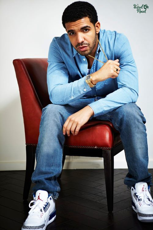 0b1c28fa9677d2 ... Drake rocking theJordan III True Blues  Drake Seen Wearing A Jordan  Retro ...