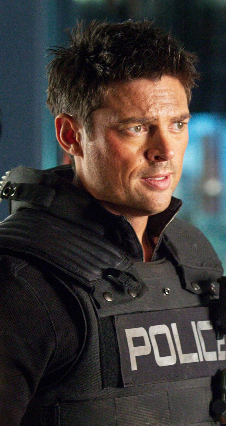 """Karl Urban, Almost Human, The Bends (edited by Kathleen Adams). I just said, """"To heck with it - we don't need to see any of those other people."""" :-) Dear Lord, how I miss this show. And when - when? - is it going to come out on DVD?"""