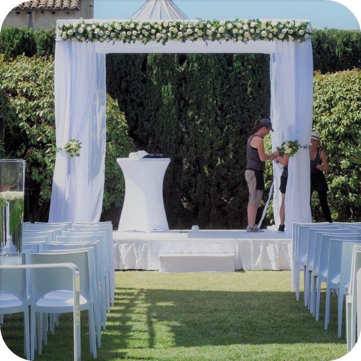 Houppa très élégante réalisée à l'occasion d'un mariage juif à dans un hôtel particulier de Montpellier