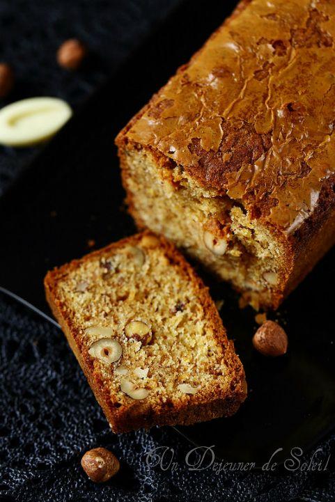 Cake au chocolat blanc et aux noisettes - Un déjeuner de soleil