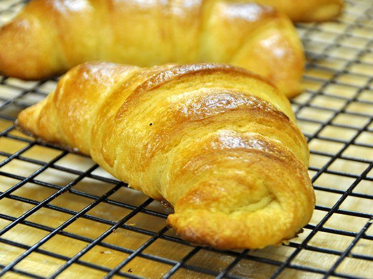 Ricetta Croissant Semplici e Veloci - VivaLaFocaccia - Le Ricette Semplici per il Pane in Casa