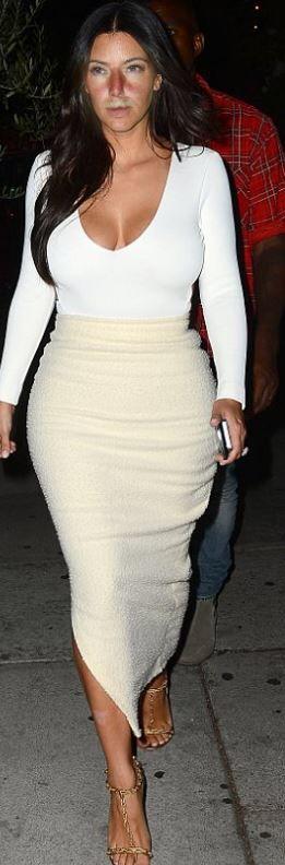 Celebrity Fashion Marisa Kardashian #sexywomen #marisakardashian #marisa #kardashian #fashionweekly #celebrity #celebritynews #celebrityfashion #celebritystyles #sexyoutfits #sexydress #sexbabes #fashionmodel #model #sexy #fashion #latexfashion #blackleatherskrits #longpincelskrits #dreamgirls #dreamgirl #hourgalssfigure #hourglass #curves #curveywomen