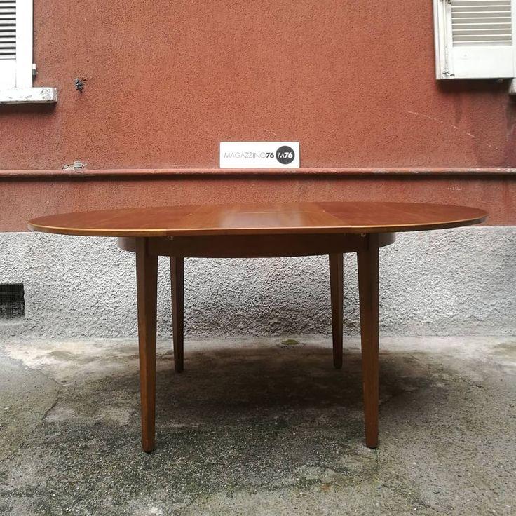 Un tavolo rotondo danese. Anni 60. Diametro 120cm
