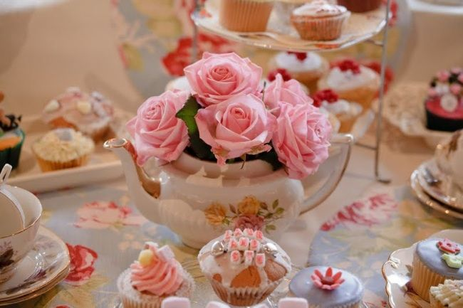 vintage style  - wedding cakes  Flowers in a teapot