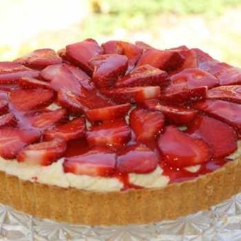 Thermomix recipe: Strawberry White Choc Mousse Pie · Tenina.com