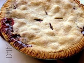 Delectable Victuals: Marion berry + Black berry Pie