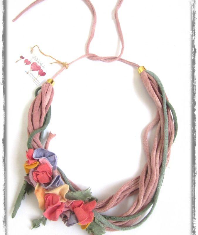 "Collar de tela reciclada ""vendido"" | Feria Central"