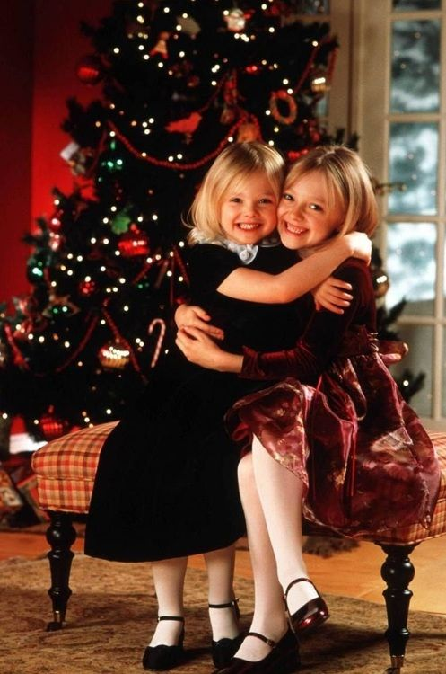 The Fanning sisters <3
