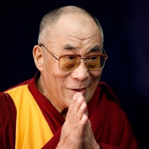 Algunas de las mejores frases y pensamientos del Dalai Lama, líder espiritual del budismo tibetano (lamaísmo).    Tenzin Gyatso es jefe de gobierno de Tíbet en exilio desde la ocupación china (1950) y líder espiritual de la nación. Se lo considera la encarnación del XIII Dalai Lama quien renació para continuar con sus objetivos y tareas religiosas.    Estas son algunas de sus reflexiones sobre el hombre, la vida, la compasión y la bondad.    ¡Qué lo disfrutes! #budha #budismo #citas #dalai…