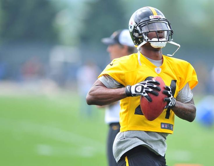 The Steelers Ike Taylor during OTAs on the South Side May 23, 2012. Chaz Palla | Tribune Review
