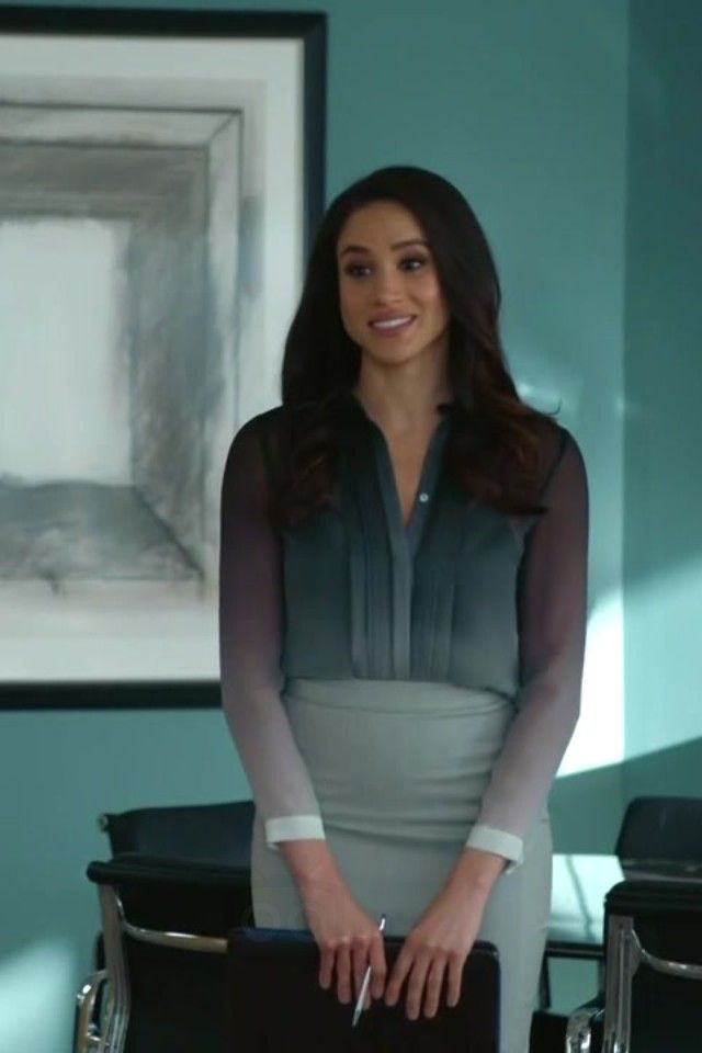 The ombre silk Burberry blouse, the tan Celine bag, and all those glorious pencil skirts... here's my round-up of the best new Rachel Zane outfits on Suits.