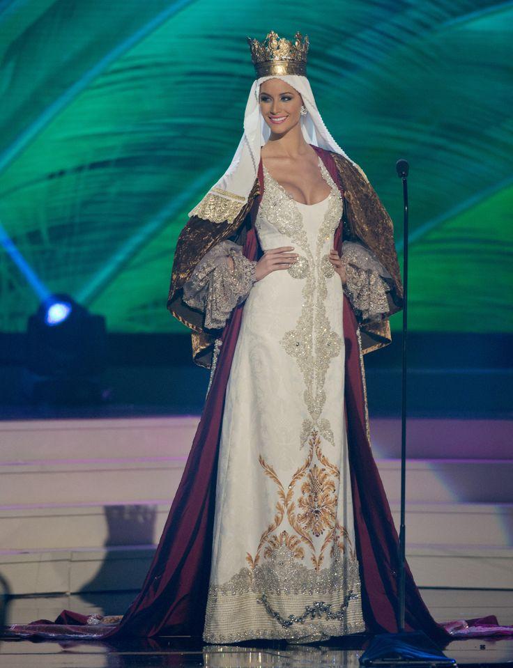 'Desiré Cordero' a lo Reina Católica en Miss Universo