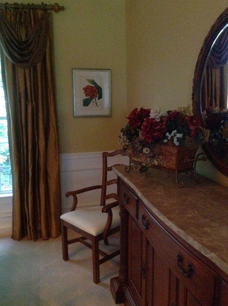 Dining Room. Paint - Benjamin Moore Chestertown Buff
