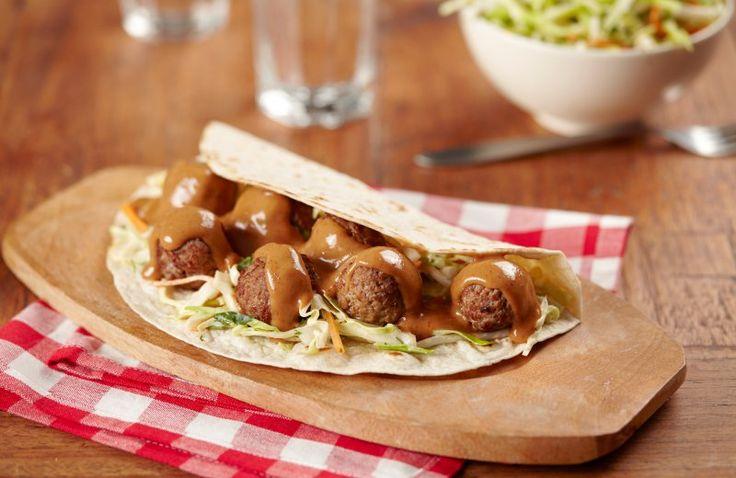 Wraps met pittige gehaktballetjes en rauwkost salade