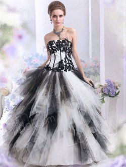 Black & White Gothic Wedding Dress - very frothy and romantic looking dress that's just a little different. Love it!