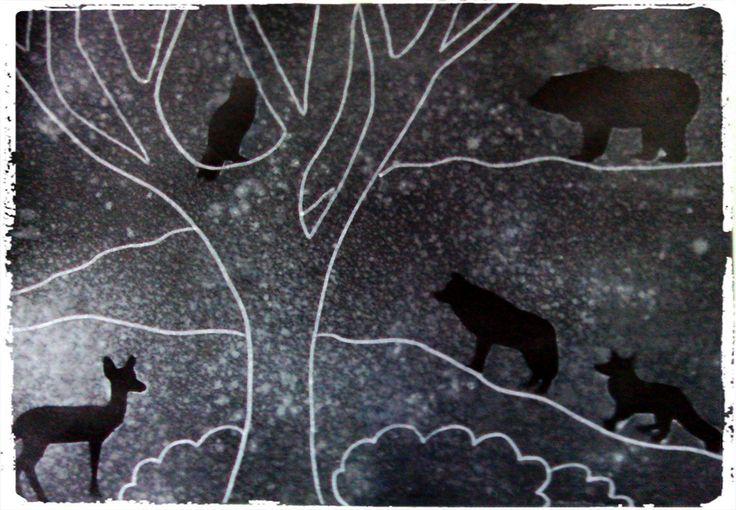 Silhouettes d'animaux (gommettes) sous la neige (peinture blanche)
