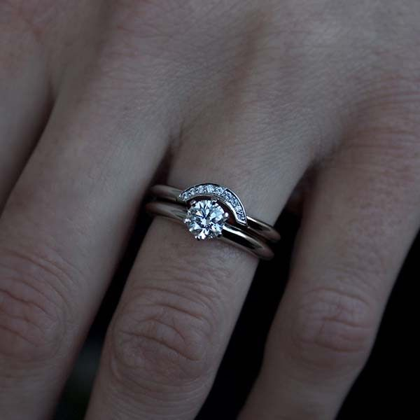 Beautiful Wedding Bands That Fit Around Engagement Ring Pictures