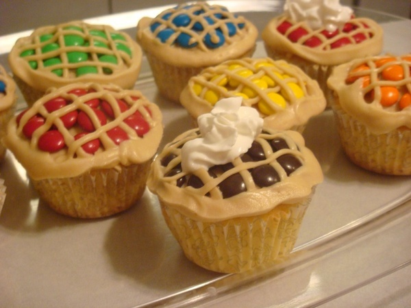 MM cupcakes graduation-party-ideas