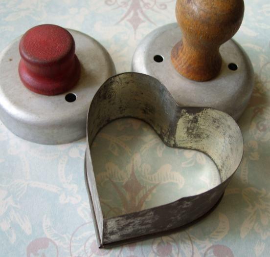 Antique Primitive Metal Biscuit Cookie Cutters Wood Handles Heart ...