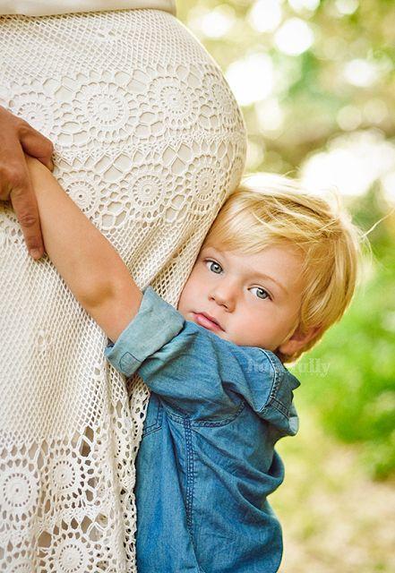 Mutterschaft Fotoidee, die andere Kinder ♥ #togally #mutterschaft togally.c umfasst