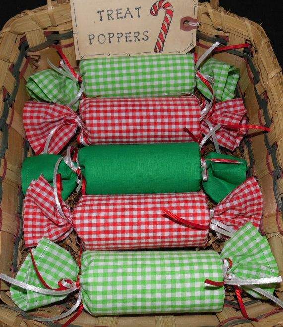 Primitive Country Christmas Fabric PARTY POPPERS Candy Treat